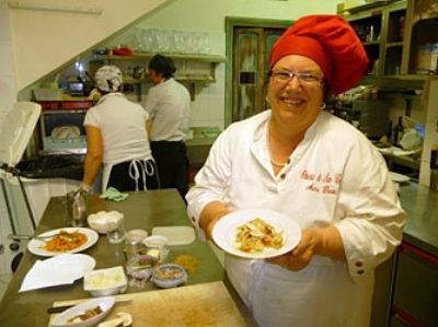 Professional Rome cooking course with Sora Anna in the Roman Hills